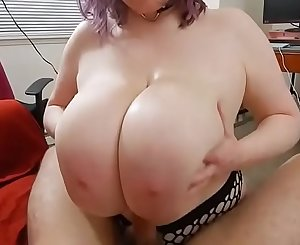 Big Tit Goddess Cassie0pia gives LEGENDARY TiTTYFUCK