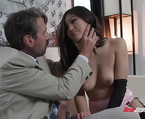 Kendra Spade Lets You Watch Her Fuck
