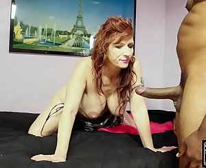 BRITTANY BLAZE SUCKING AND FUCKING SHAUNDAM FOR A FACE AND A MOUTH FULL